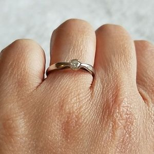 Jewelry - Platinum diamond ring